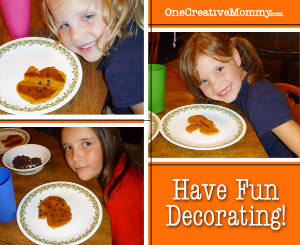 Pumpkin Shape Pancake Tutorial {Add Faces with Mini Chocolate Chips} from OneCreativeMommy.com