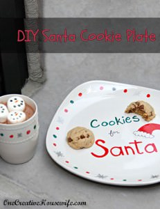 Adorable DIY Santa Cookie Plate Christmas Craft for Kids {Santa won't have any trouble finding his cookies this year!} Guest post from One Creative Housewife on OneCreativeMommy.com