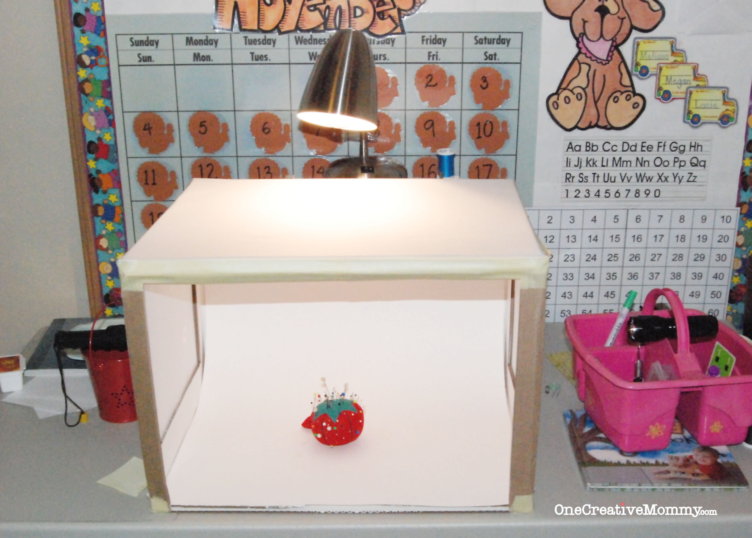 DIY Lightbox Tutorial on OneCreativeMommy.com {This is the setup}