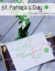 In honor of St. Patrick's Day, let someone know you're lucky to have them in your life with this free printable greeting card. {St Patricks Day Printable from OneCreativeMommy.com}